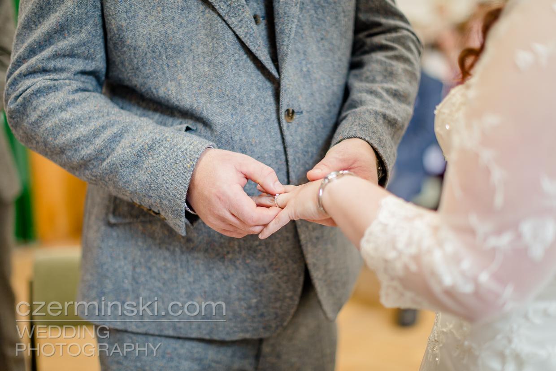 newton-park-barn-wedding-photography-007