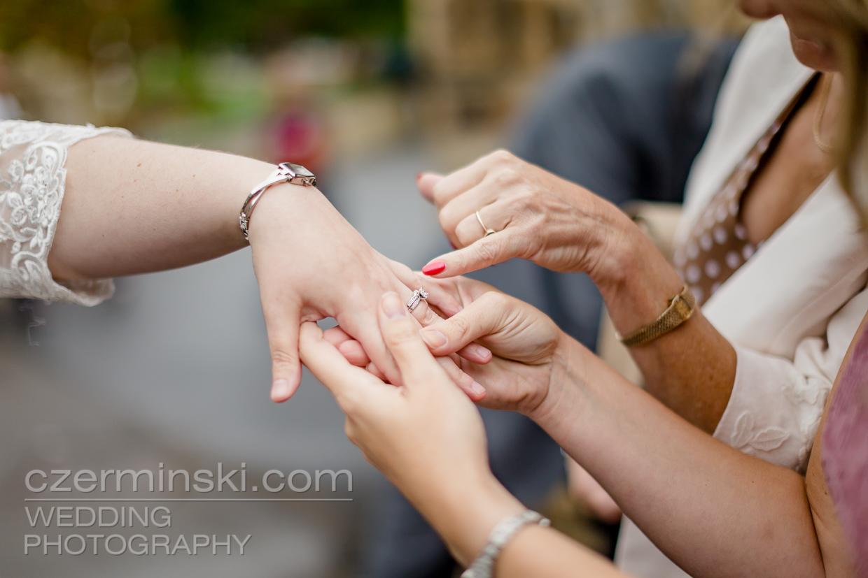 newton-park-barn-wedding-photography-011