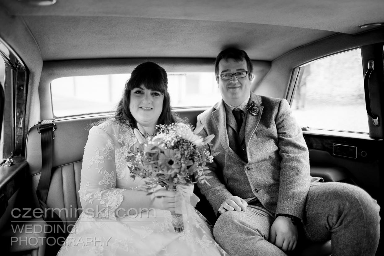 newton-park-barn-wedding-photography-018