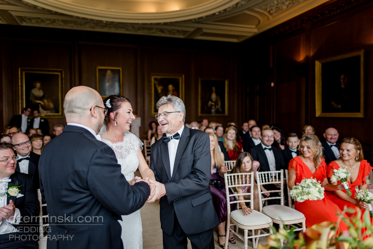 cowdray-house-west-sussex-wedding-photography-012