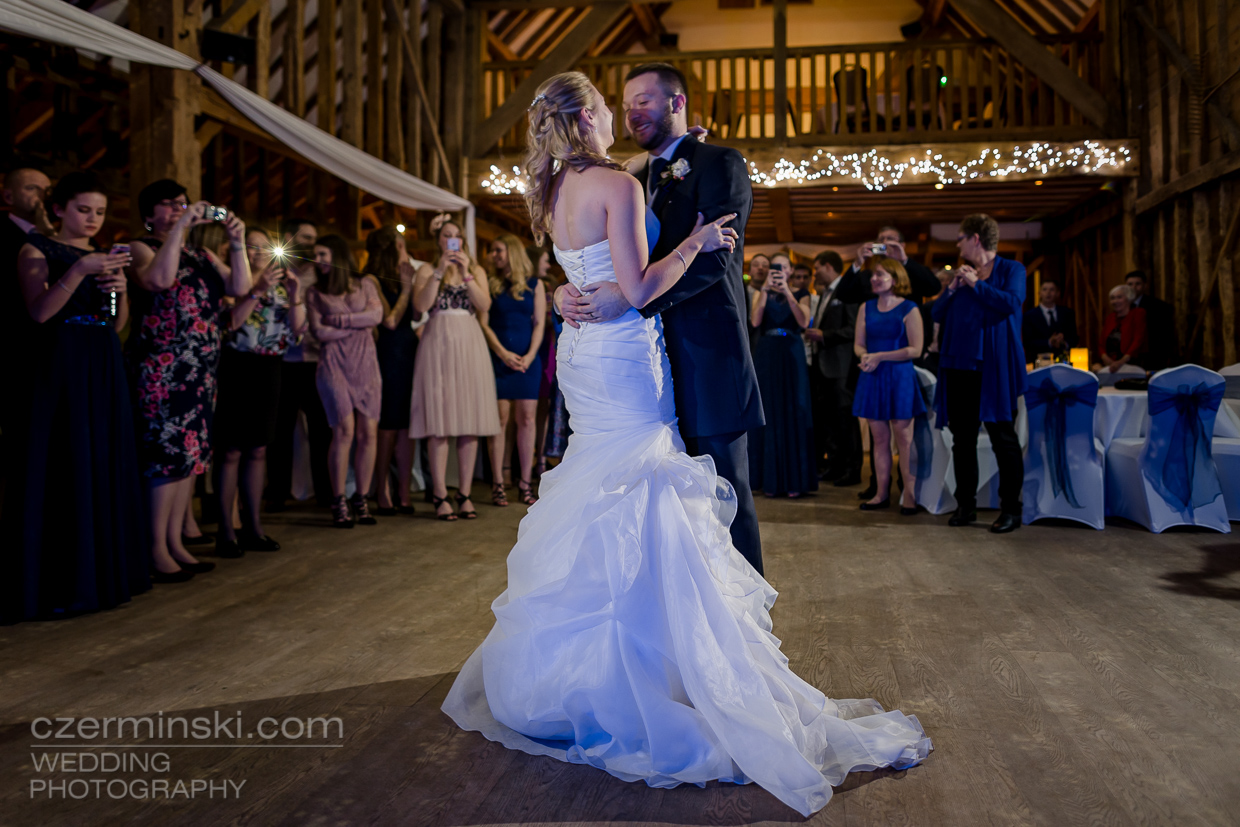 tewin-bury-farm-first-dance-wedding