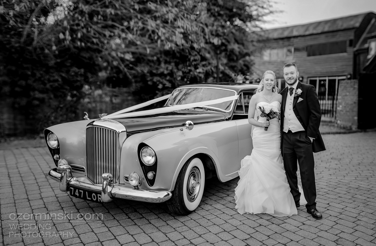 classic-bentley-wedding-tewin-bury-farm