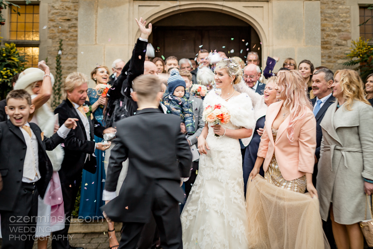 30-wedding-photos-Sutcliff Baptist-Church-Olney,