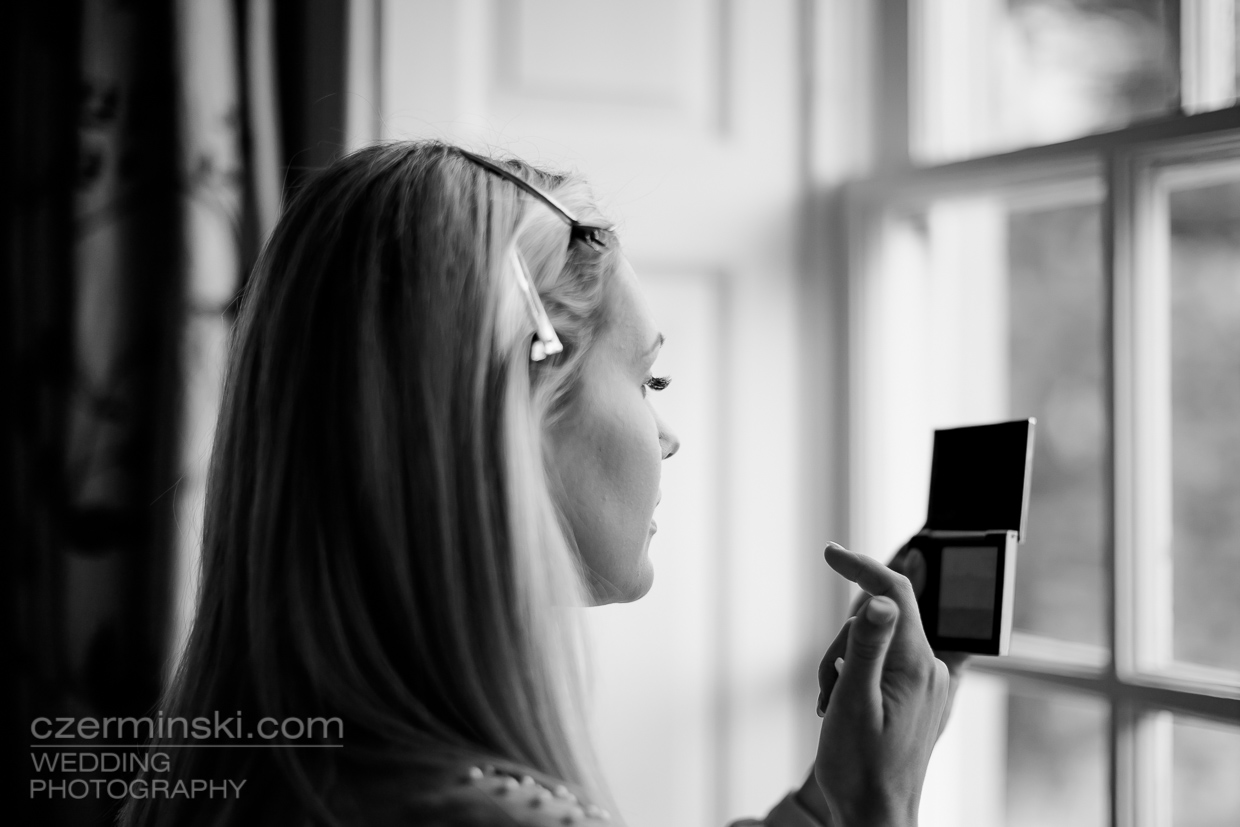 4-wedding-photography-bride-preparations-Chicheley-Hall